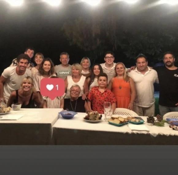Las fotos de la Navidad de Nicolás Cabré y Laurita Fernández: con Rufina y las familias juntas de los dos