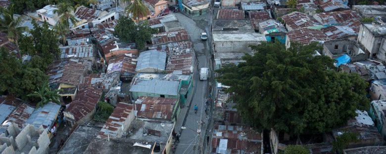 """""""La pobreza no es, se produce"""" por Jenny Torres"""