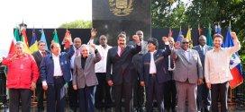 Ejecutivo obsequió estatuillas de Ezequiel Zamora a representantes del Alba