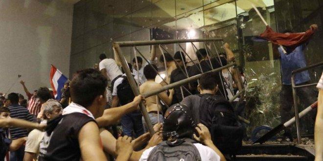 Un muerto y más de 200 detenidos por protestas en Paraguay