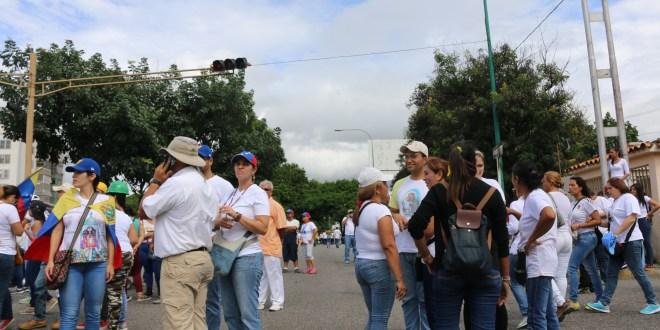 PROCESIÓN POLÍTICA OPOSITORA:  Larenses desatienden llamado de la jerarquía eclesiástica