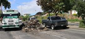 EN LA RUEZGA: Guarimbas dejan caos, destrozos y basura