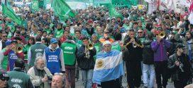 Argentinos protestan contra reforma laboral que impone Macri