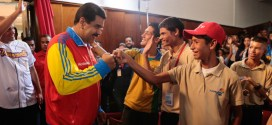 Presidente Maduro: ¡En Venezuela, el derecho a la educación está garantizado!