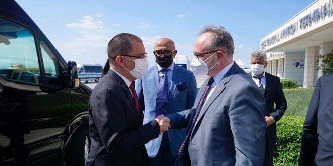Canciller Jorge Arreaza arriba a Turquía para participar en el Foro Diplomático de Antalya