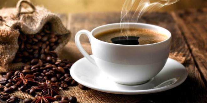 Tomarse café a diario reduce riesgo de contraer COVID-19