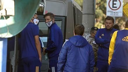 GOLPES, DESTROZOS Y GASES LACRIMÓGENOS/ El escandaloso partido que terminó con el equipo de Boca Juniors demorado en una comisaría de Brasil