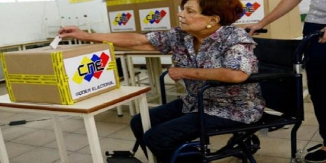 CNE crea Comisión Especial para garantizar la Atención Electoral de Personas con Discapacidad en Megaelecciones del 21NOV