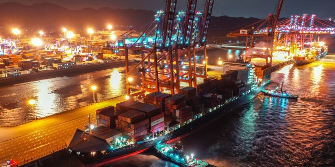 China suspende parcialmente las operaciones en el tercer puerto con más tráfico del mundo por un caso de covid-19