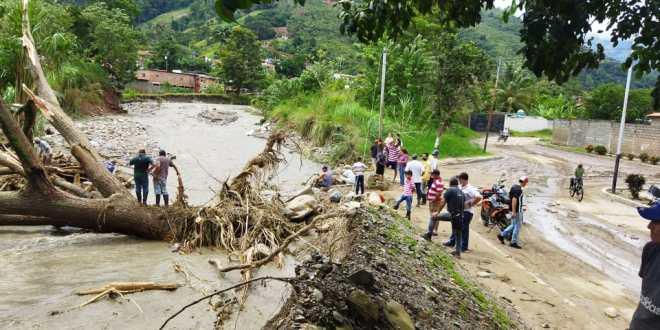 Fuertes lluvias dejan 13 muertos en región andina de Venezuela