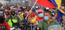 Precandidato del PSUV Adolfo Pereira recorrió calles y avenidas de Barquisimeto