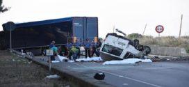 Al menos 10 muertos en un accidente de una furgoneta de inmigrantes en Texas, EE.UU.