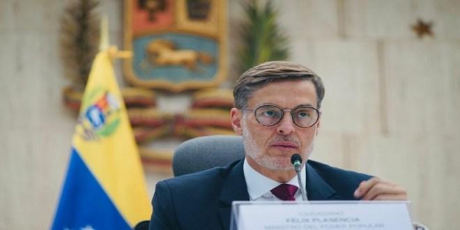 Venezuela resalta la unión latinoamericana en encuentro con embajadores y jefes de Misión