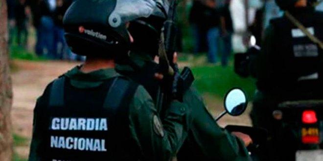 Grupo armado atracó buseta donde viajaban 48 menores