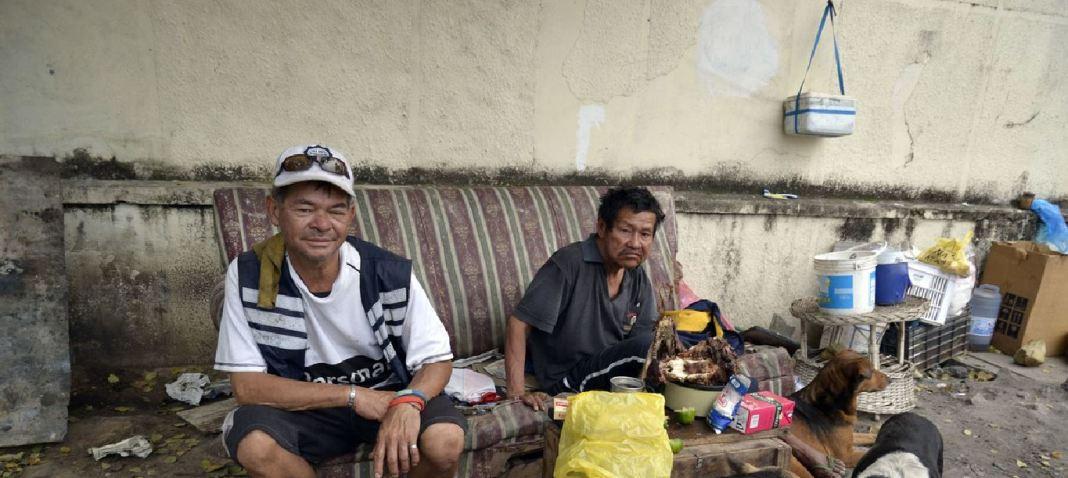 Hombres sin hogar