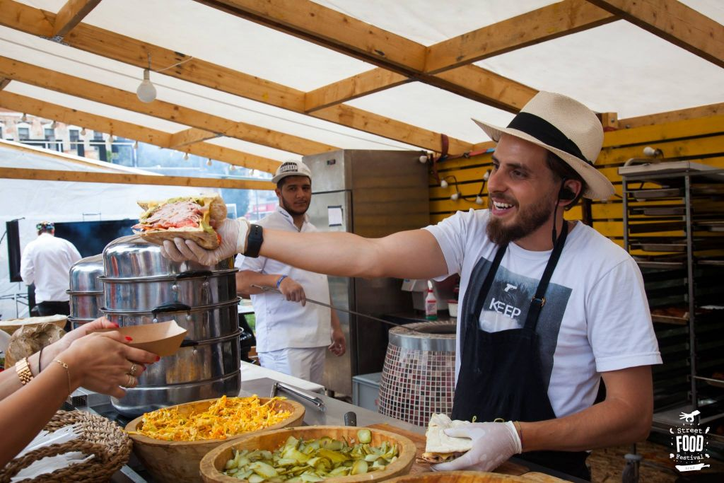 The Street FOOD Revolution - cel mai mare Street FOOD Festival din România