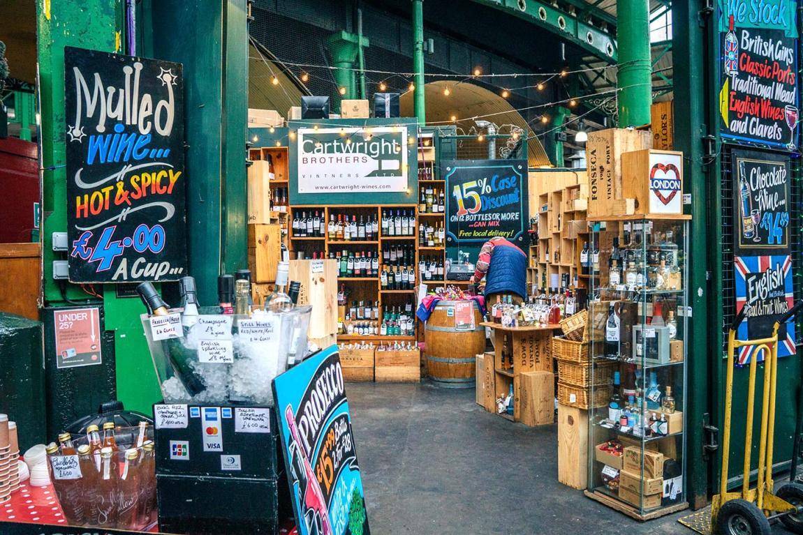 Wine shop Borough Market, London Bridge - best Saturday markets in London