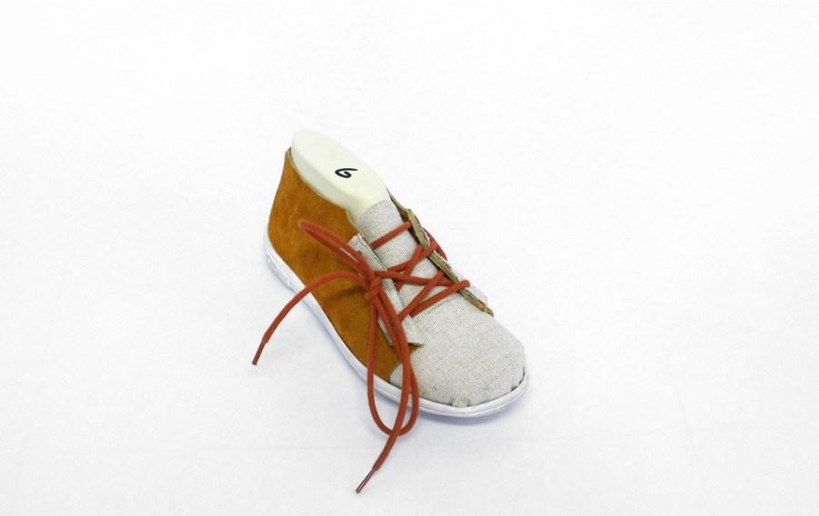 prototype de chaussure en daim
