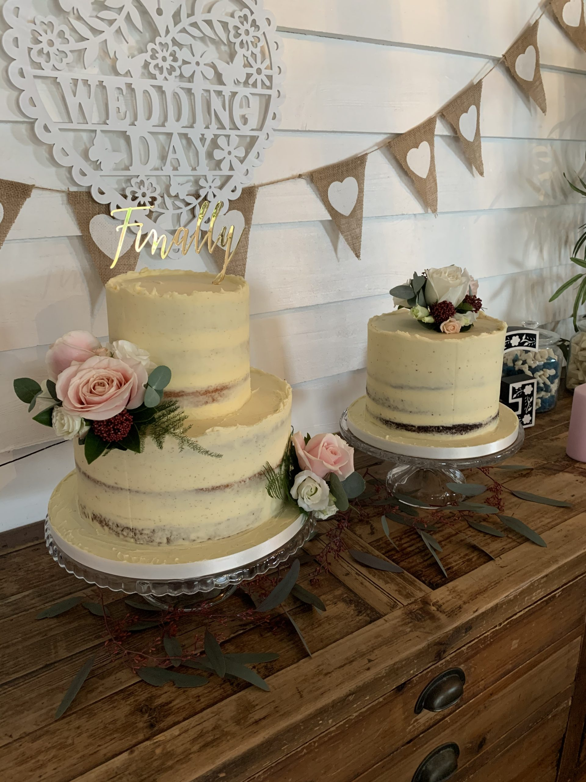 elopement cake table