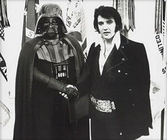 Duas lendas juntas uma lenda nerd, Darth Vader e outra do rock, Elvis Presley...