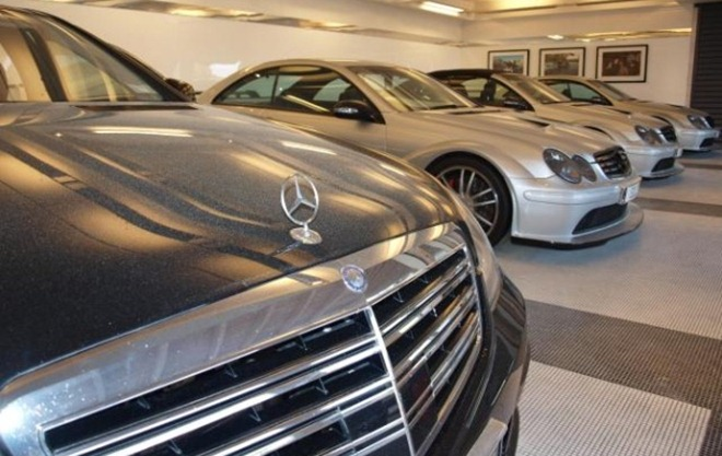 Carros apreendidos na mansão de Dotcom