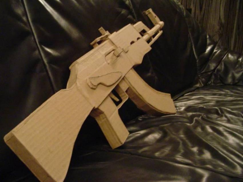 Armas-papelao-cardboard_weapons (10)