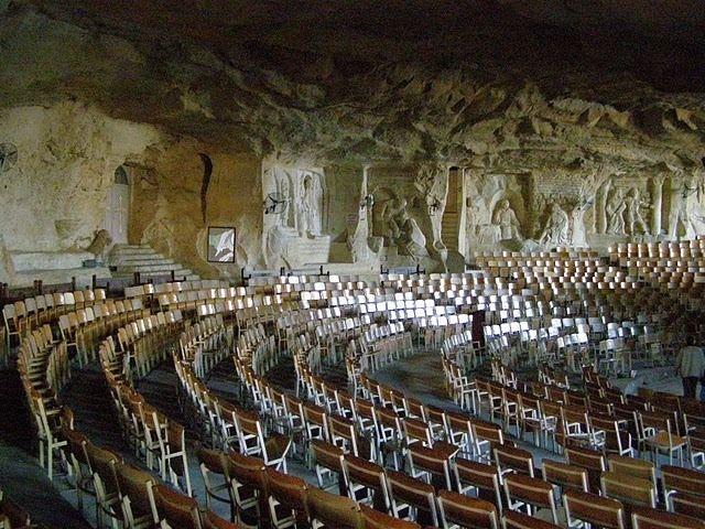 Igreja-caverna2