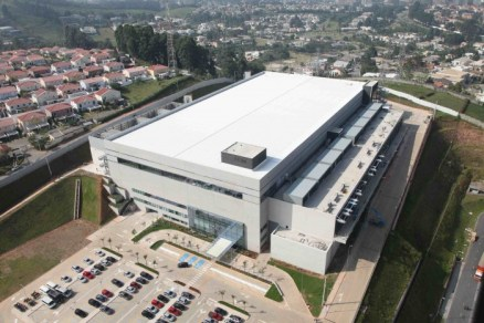 Com cerca de 33.600 mil m² de construção, em um terreno de 70 mil m², o data center  está localizado na região de Santana do Parnaíba, em São Paulo