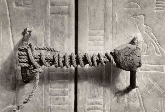 20. O sarcófago de Tutankhamon com seu Cadeado intacto.