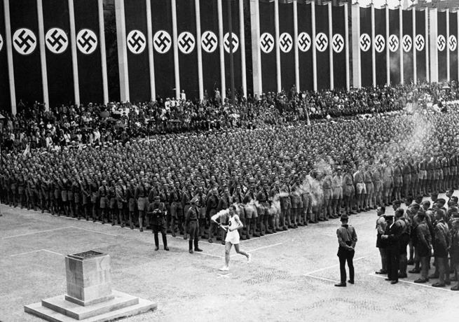 Chama Olímpica chegando em Berlim, 1936
