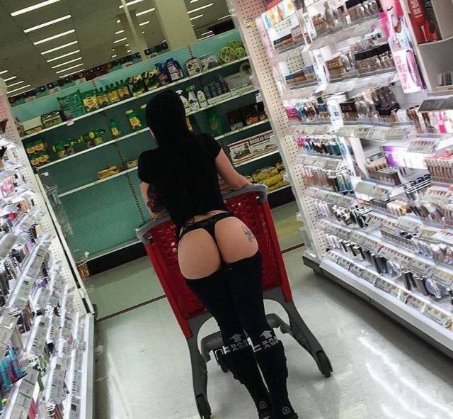 hot babes at walmart buying up all the goods and looking great