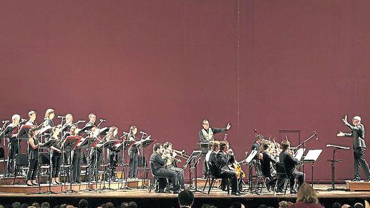 BatutasUrdampilleta (al centro) y Brönnimann, brillantes actuaciones.