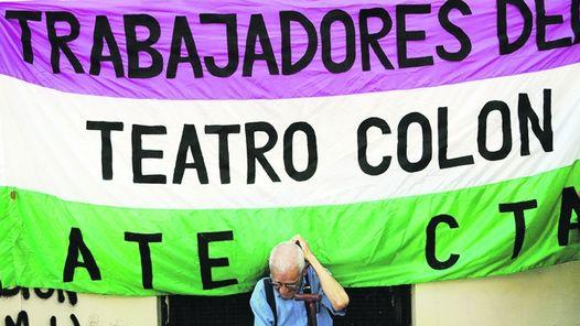 UN MOMENTO DE LA PROTESTATODO POR EL COLÓN.
