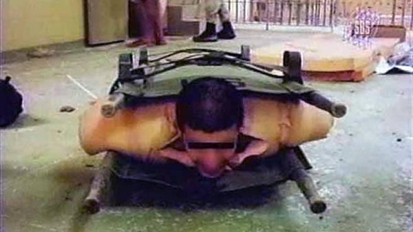 Torturas a prisioneros en la carcel de Abu Ghraib. (Archivo)