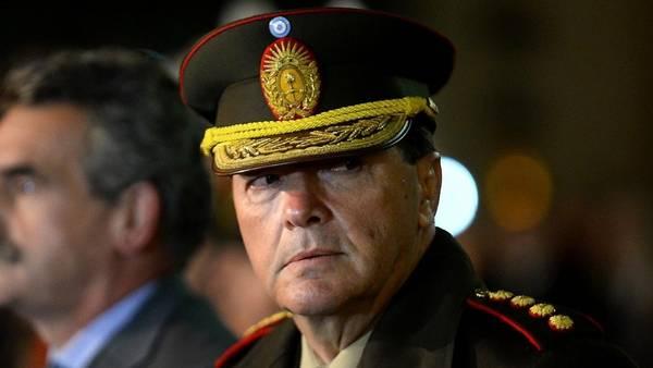 https://i2.wp.com/www.clarin.com/politica/Cesar-Milani-jefe-Ejercito_CLAIMA20141228_0018_27.jpg