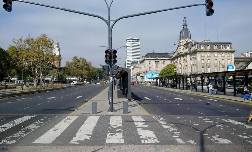Martes de Paro en Retiro contra la confiscación impositiva inflacionaria y contra la ola de despidos. (Gustavo Ortiz))