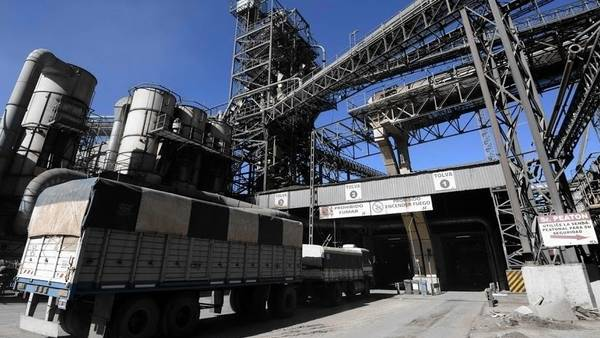 La BCR calcula que cada año llegan 90.000 camiones con granos a las terminales del Gran Rosario.