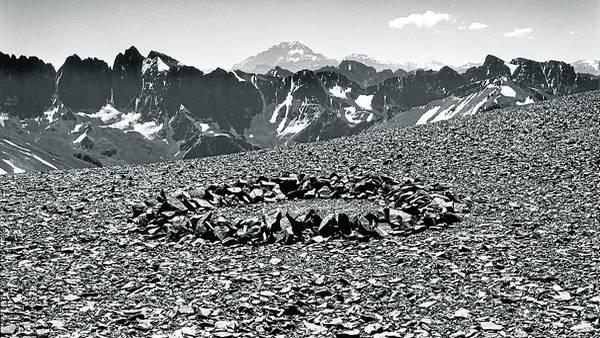 Un dibujo en el Aconcagua. Parte de la obra de Long consiste en intervenir lugares naturales y fotografiarlos.