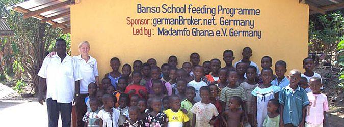Gruppenbild Madamfo Ghana