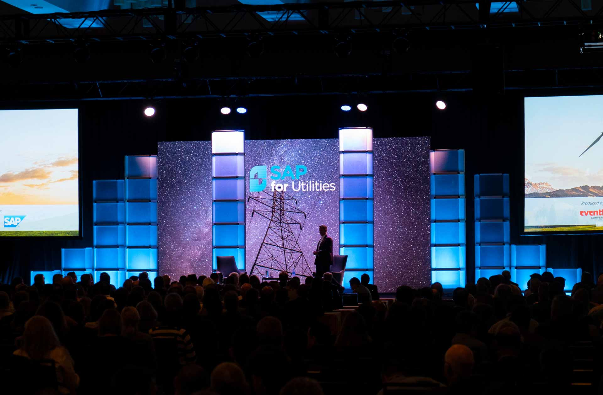 Event Stage Design Amp Scenic Solutions For Live Events