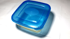 Kitchen vocabulary: Plastic container