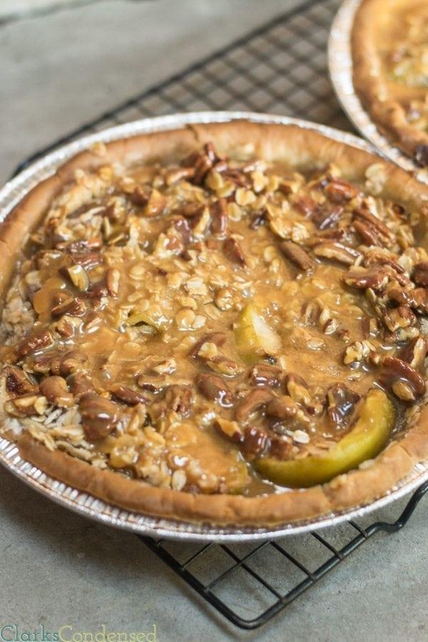 caramel-apple-pecan-pie-1