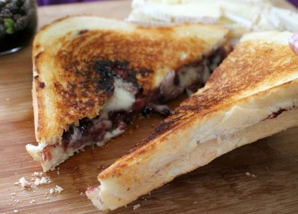 blackberry brie grilled cheese2