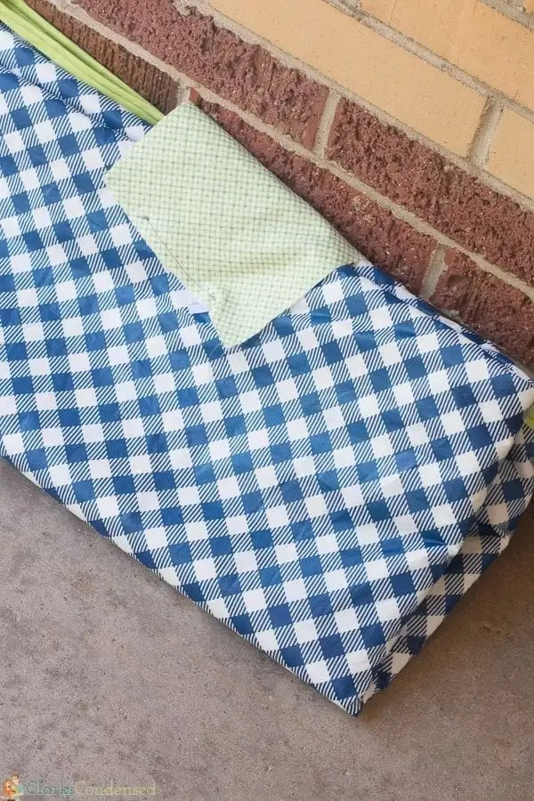 easy-reversible-picnic-blanket-tutorial (12 of 13)