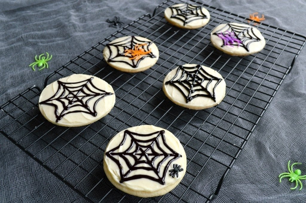 Easy spiderweb sugar cookies are perfect for Halloween!