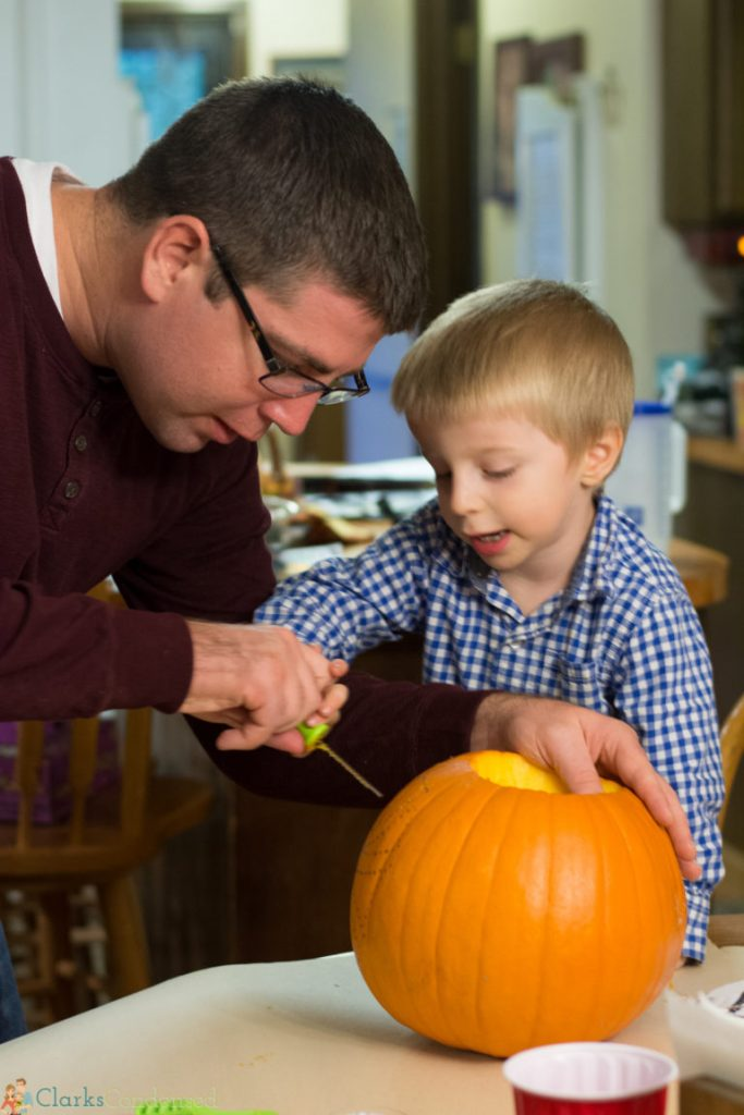 kid-pumpkin-carving-tips (6 of 10)