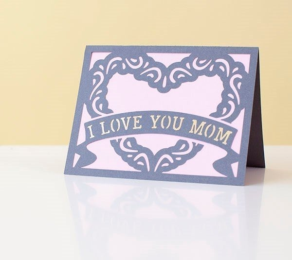 i love you mom card with heart