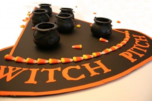 This image has an empty alt attribute; its file name is witch_pitch_halloween_game_15-500x333.jpg