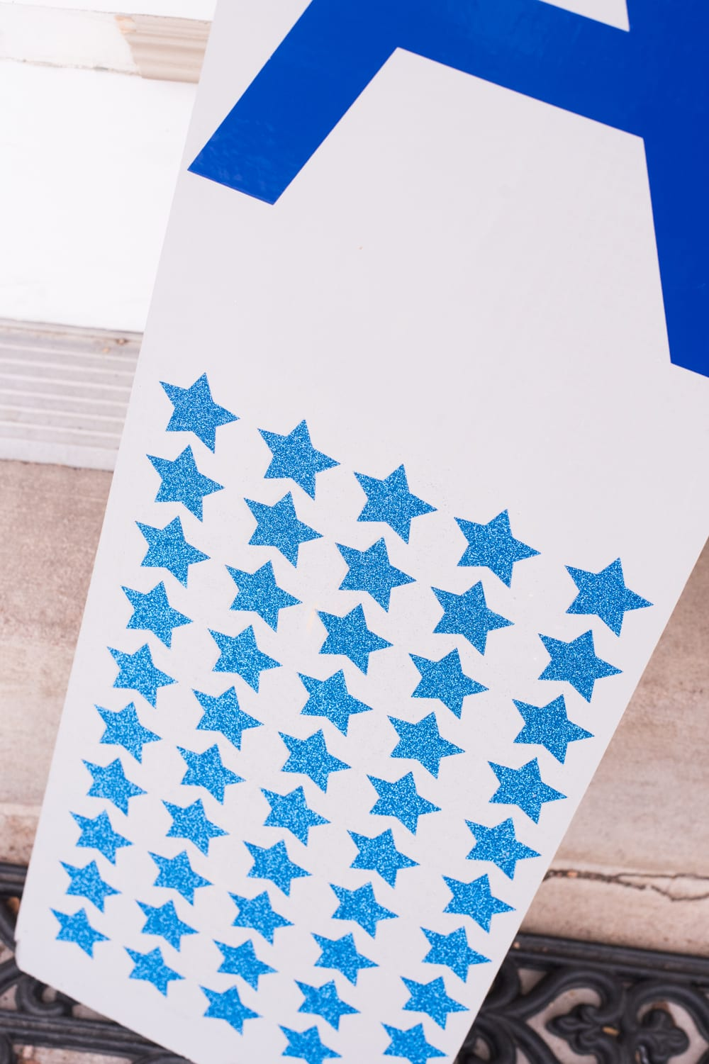 stars on a front porch sign