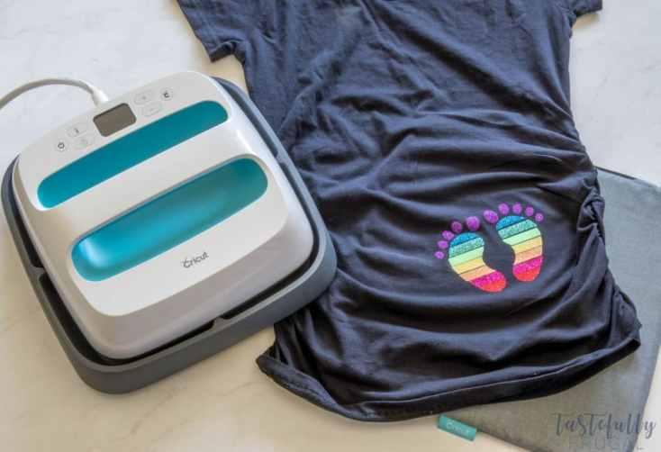 DIY Rainbow Baby Maternity Shirt